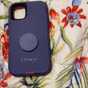 iPhone 11 pop socket otter box case